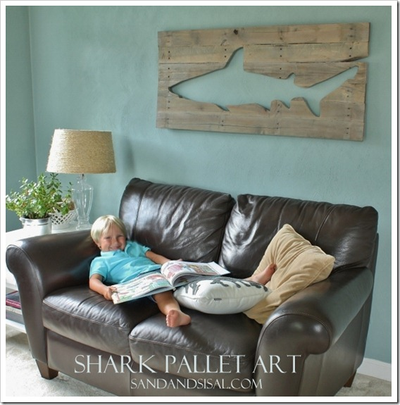 Pallet Art Shark_thumb[3]