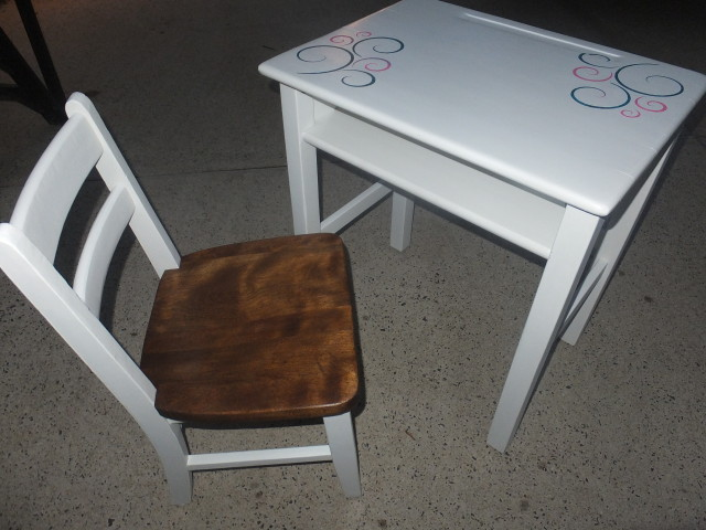 Vintage kids desk & chair 17