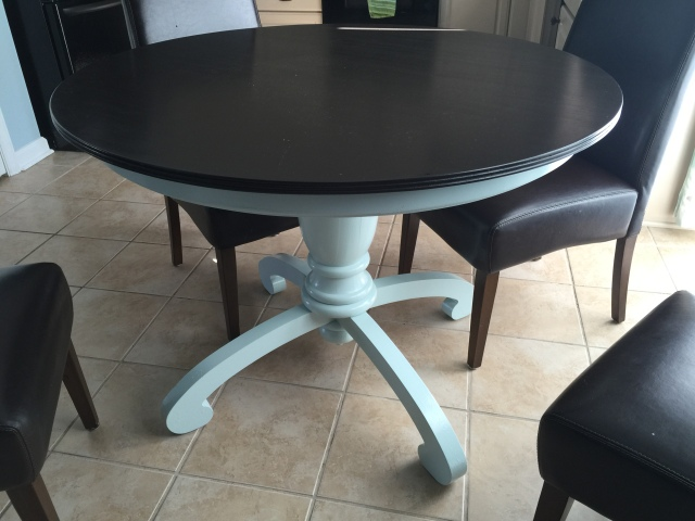 Maine Cottage Della Dining Table