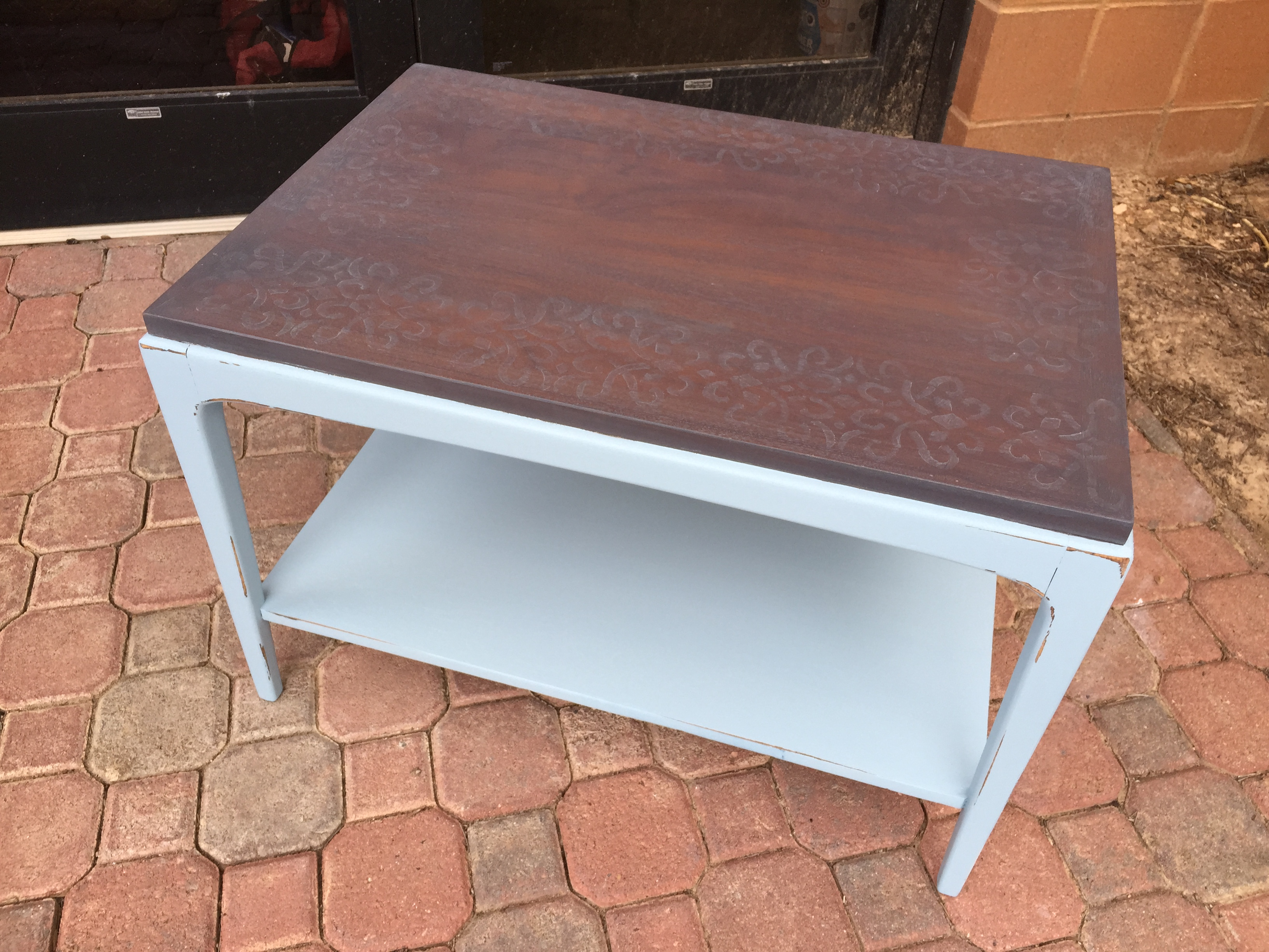 I Was A Bit Saddened To Find That Someone Had Painted This Elegant Little  Vintage Mid Century Modern (MCM) End Table. Which, Coming From Someone Who  Paints ...
